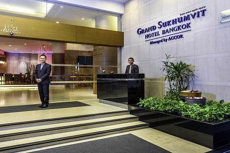 バンコク:グランド スクンビット ホテル バンコク エントランス