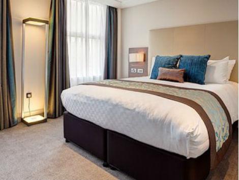 ロンドン:アンバ チャリング クロス 客室一例