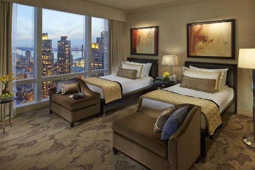 マンハッタンの摩天楼を部屋から眺めて過ごせます
