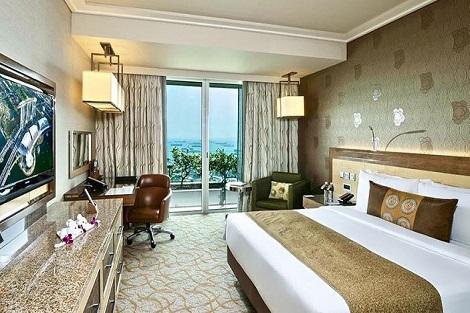 シンガポール:マリーナベイサンズ Deluxe Room Harbor View 客室一例/提供:Marina Bay Sands