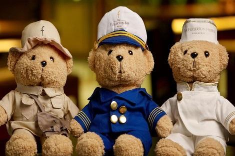シンガポール:ザ フラートン ホテル シンガポール ギフトショップ お土産に人気のクマ