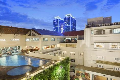 レックス ホテル ホーチミン:屋外プール