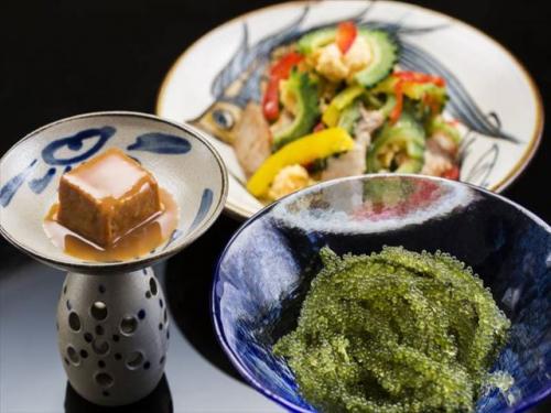 オキナワ マリオット リゾート & スパ 沖縄料理に舌鼓