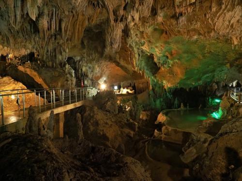 石垣島は海だけじゃない!美しい鍾乳洞も観光名所です♪